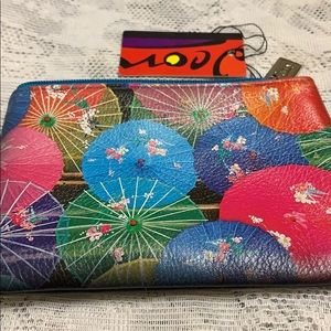Jeon colorful leather wallet.